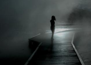 dona 00 noia nit pont mar